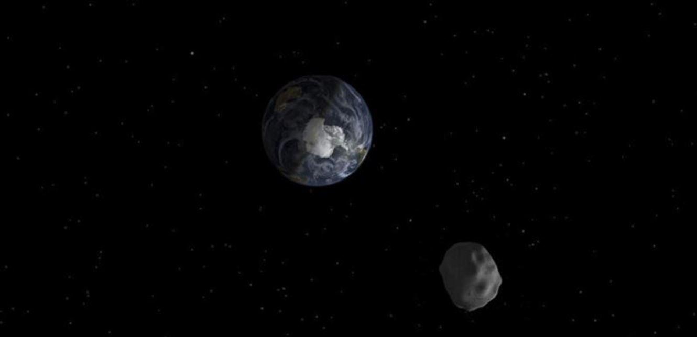 """كويكب يقترب من الأرض.. و""""ناسا"""" تحذّر من احتمال الاصطدام!"""