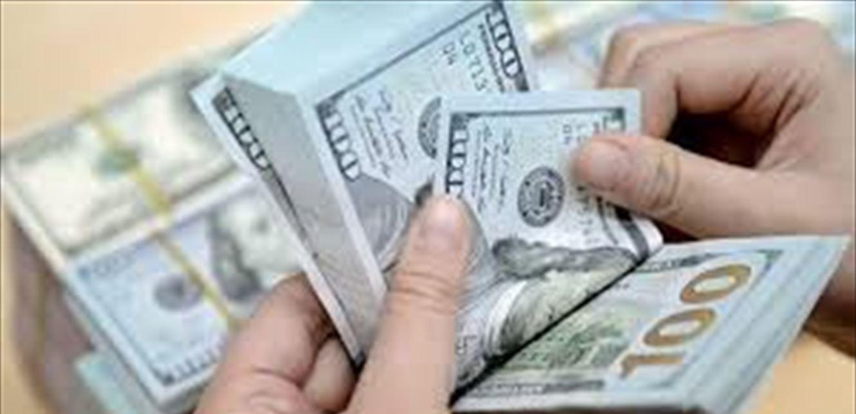 تحديد سعر صرف الدولار عند الصيارفة بـ 2000 ليرة سينتهي إلى فشل!