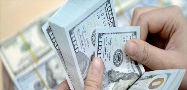 السحوبات 1000 دولار أسبوعياً والدولار بألفي ليرة في المصارف