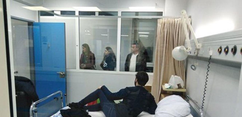 الطالب القادم من الصين بغرفة العزل بمستشفى رفيق الحريري إحترازياً (صورة)