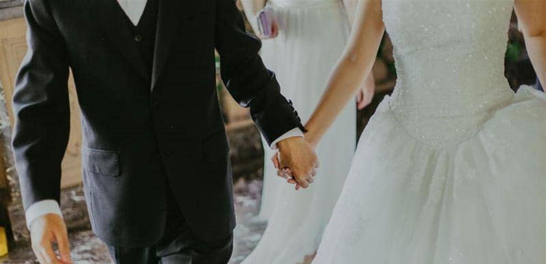 بسبب الإفلاس المفاجئ .. إلغاء أكثر من 3500 حفل زفاف!